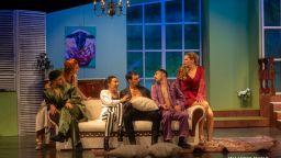 """""""Съблечи се за вечеря"""" – втора премиера в Младежкия театър"""