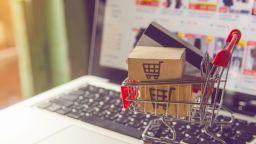 Дължим ли данък за продажба на лични вещи в интеренет?