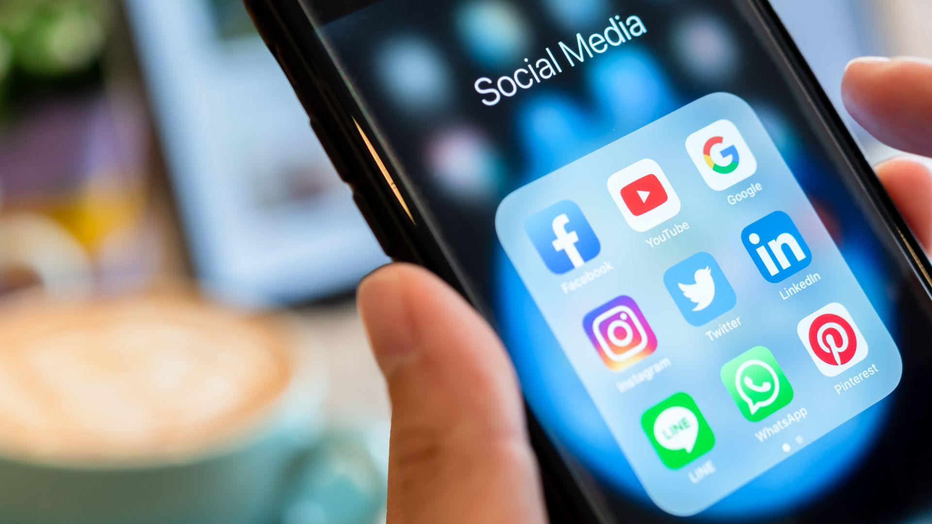 Facebook и YouTube ще трият терористичното съдържание до час след подаден сигнал