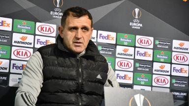Атанас Узунов нападна Бруно Акрапович, нарече го дезертьор
