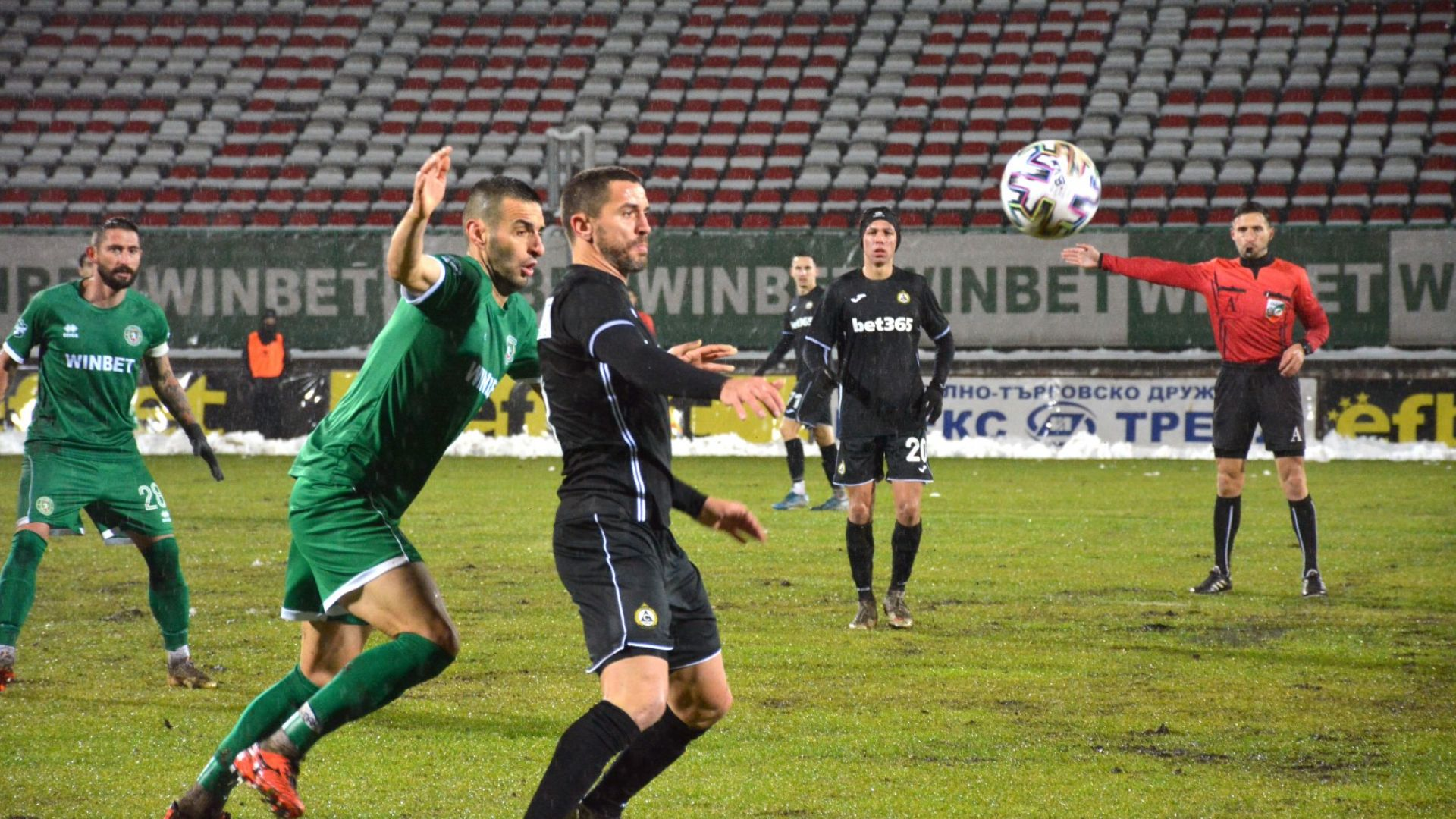 Славия взе живителни точки във врачанската кал, Рангелов с гол за родния клуб след 14 години