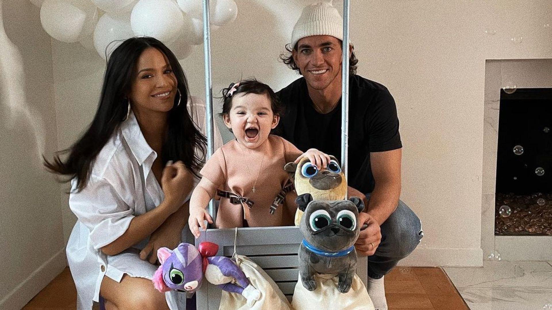 Певицата Каси и фитнес треньорът Алекс Файн очакват второ дете