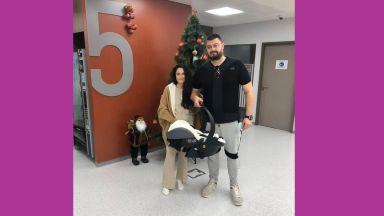 Николай Бареков заведе дъщеря си у дома