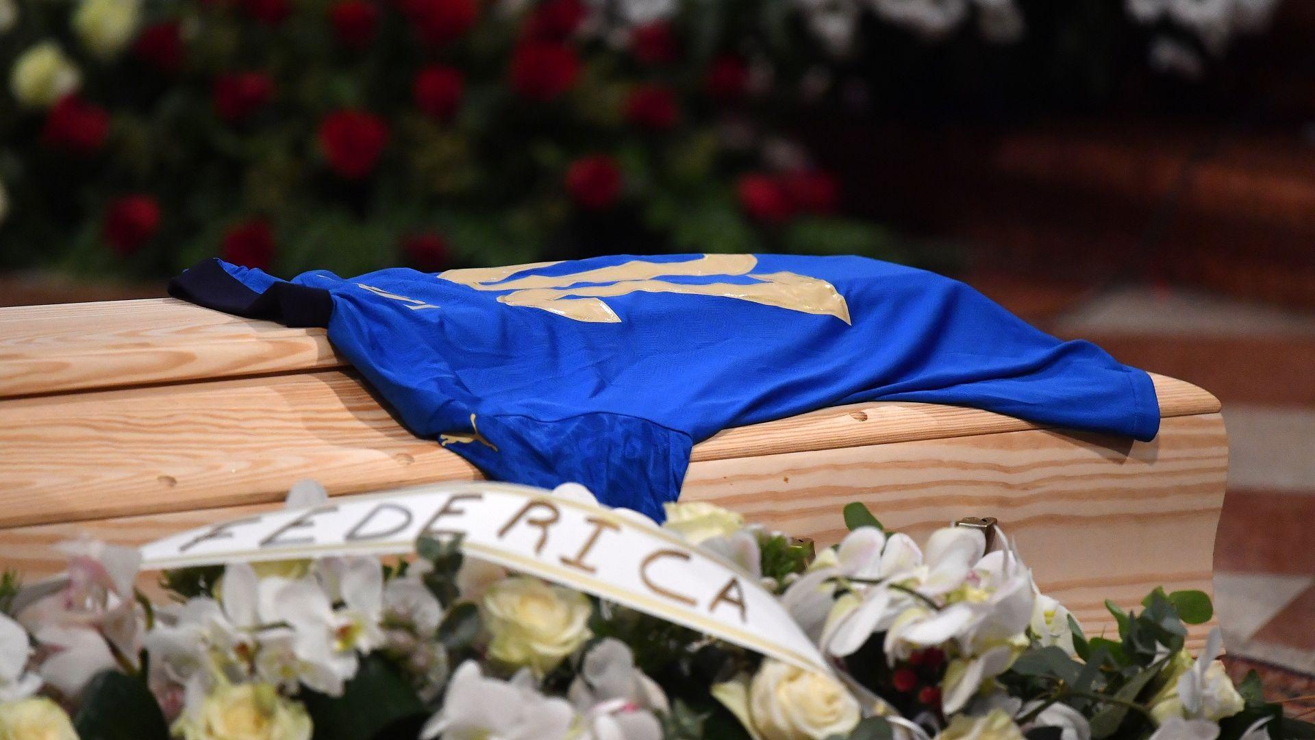 Обраха дома на легендата Паоло Роси по време на погребението му
