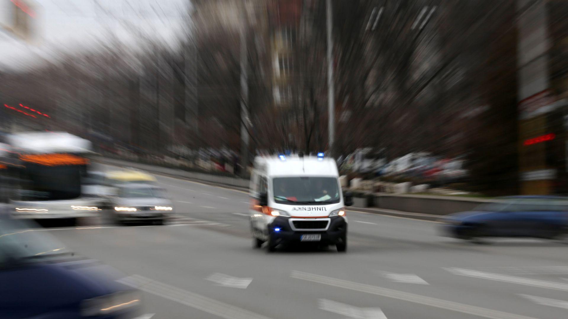 Тролей блъсна 11-годишно дете в близост до Софийския университет и Орлов мост