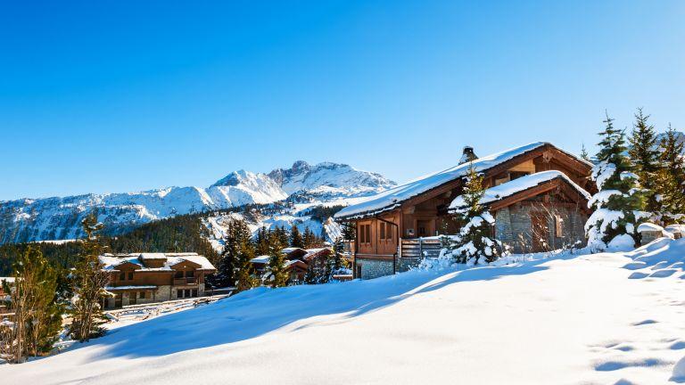 Франция отваря ски курортите си на 7 януари