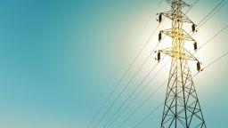 Делът на ВЕИ в преносната и в разпределителната мрежи нараства слабо