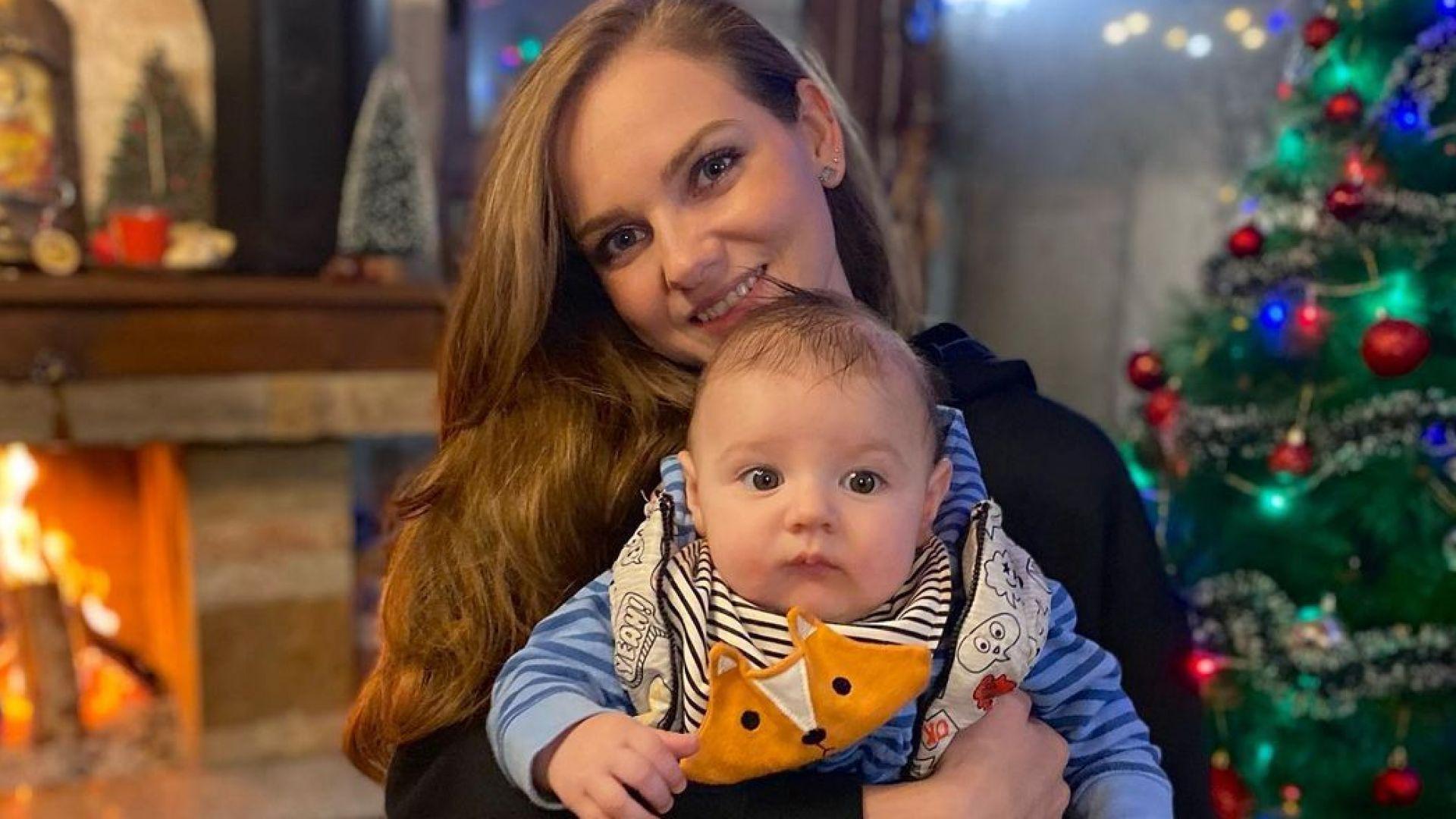 Нанси Карабойчева се готви за първа Коледа със сина си