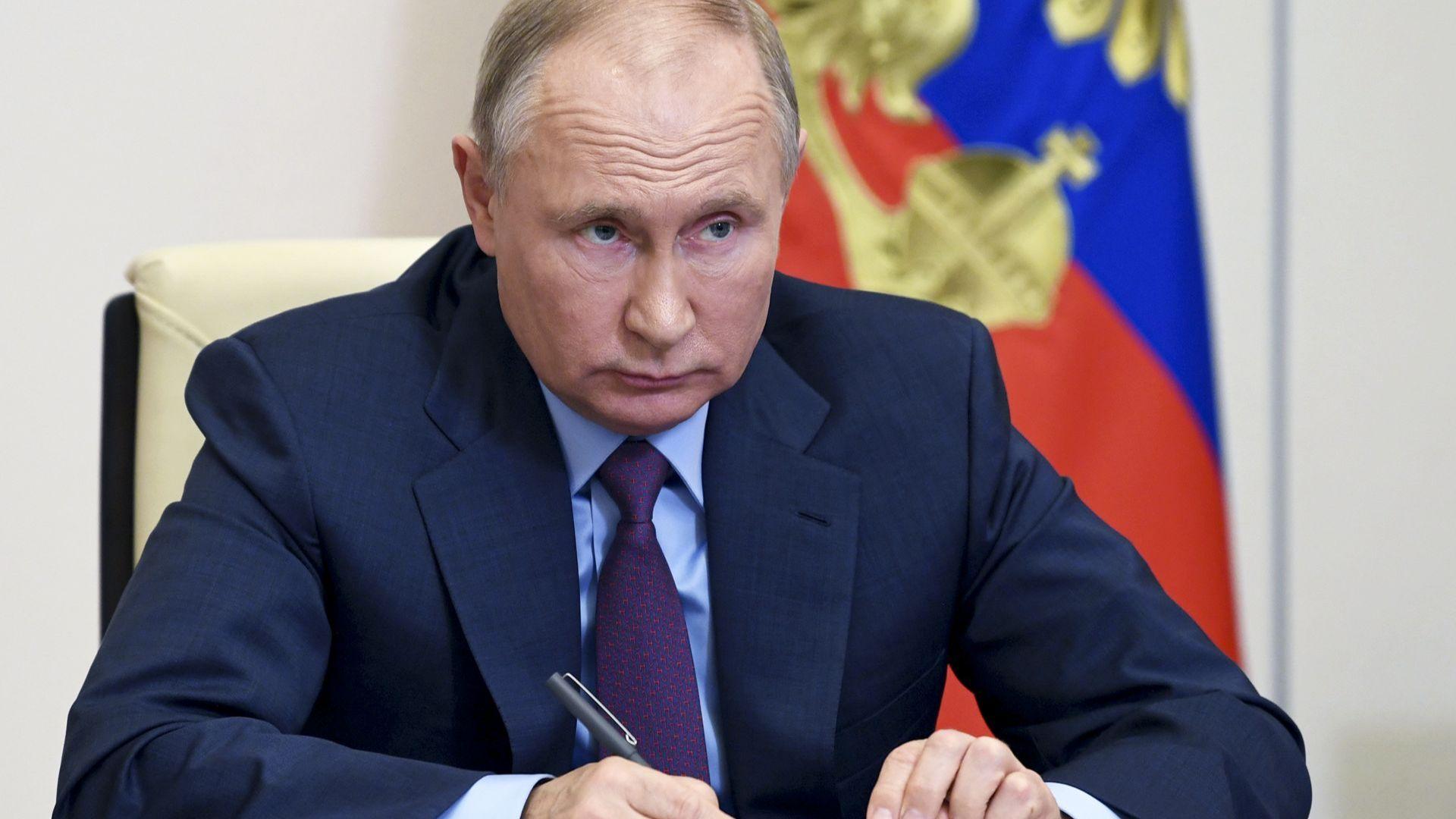 Путин подписа серия закони срещу американски социални мрежи, протести и журналисти
