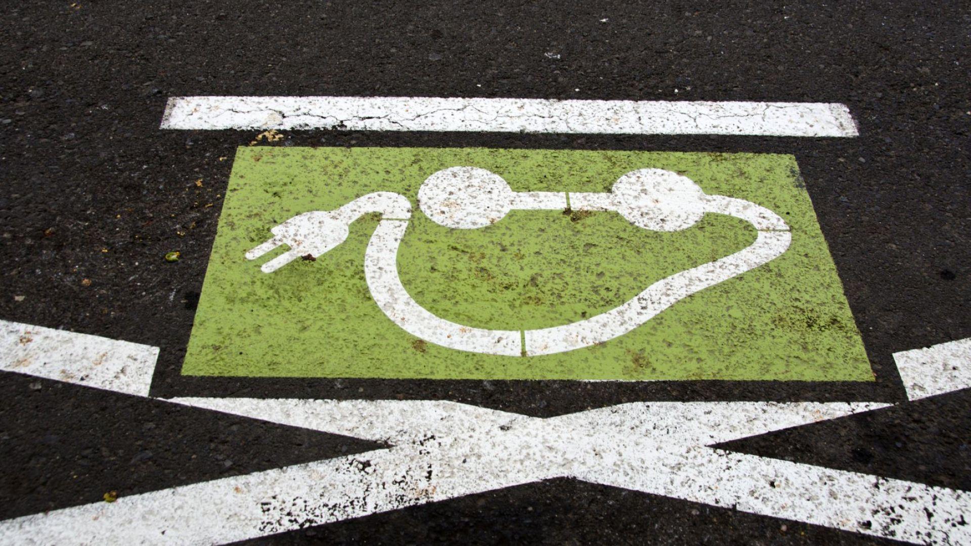 Какви са шансовете на електромобилите срещу дизеловите и бензиновите коли