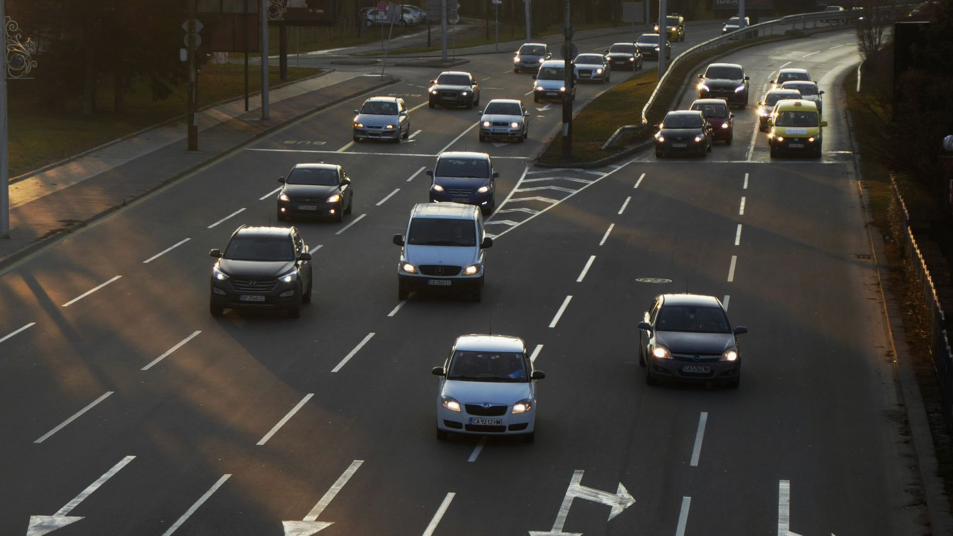Сривът при новите коли в България е най-голям в целия ЕС
