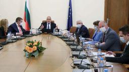 Отпускат помощ от 156 млн. лв. за МСП + 56 млн. лева за туризма