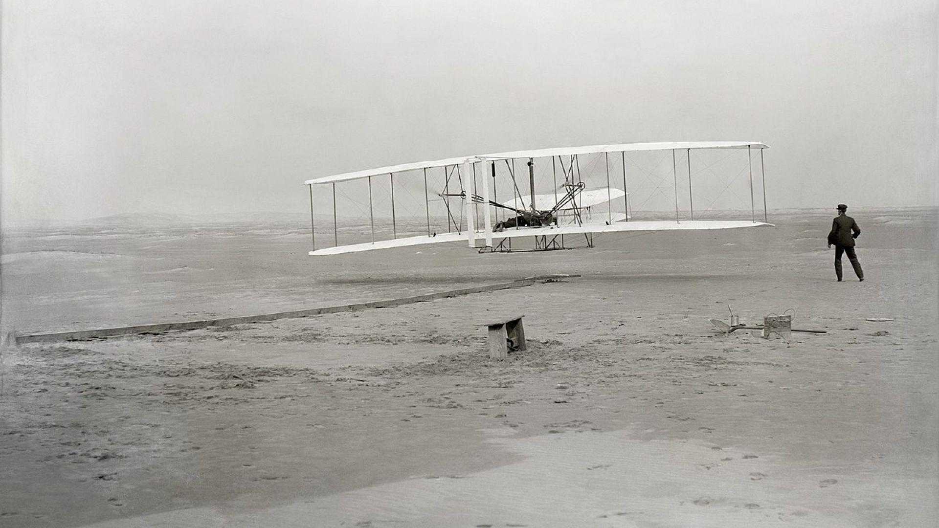 Годишнина от първия полет на самолет в историята (снимки)