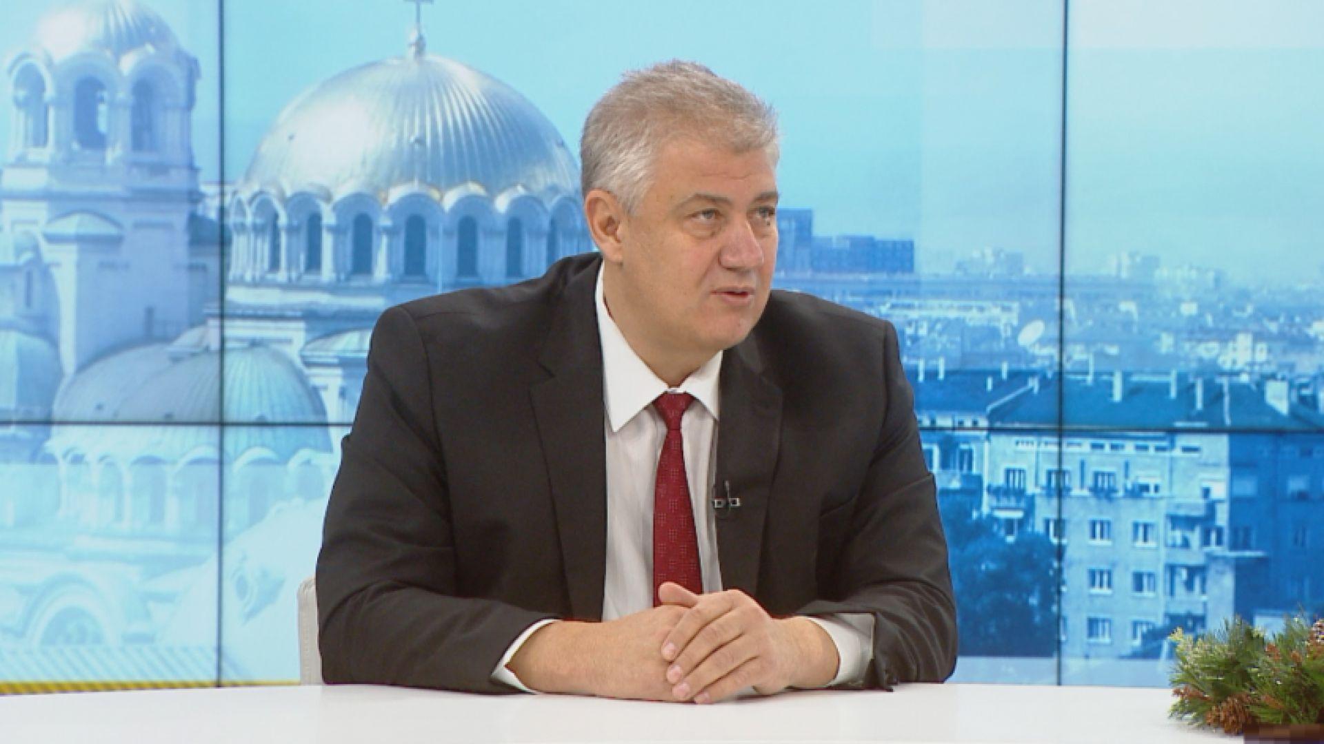 """Директорът на """"Пирогов"""": Удължаването на мерките е, за да има повече здрави за ваксинацията"""