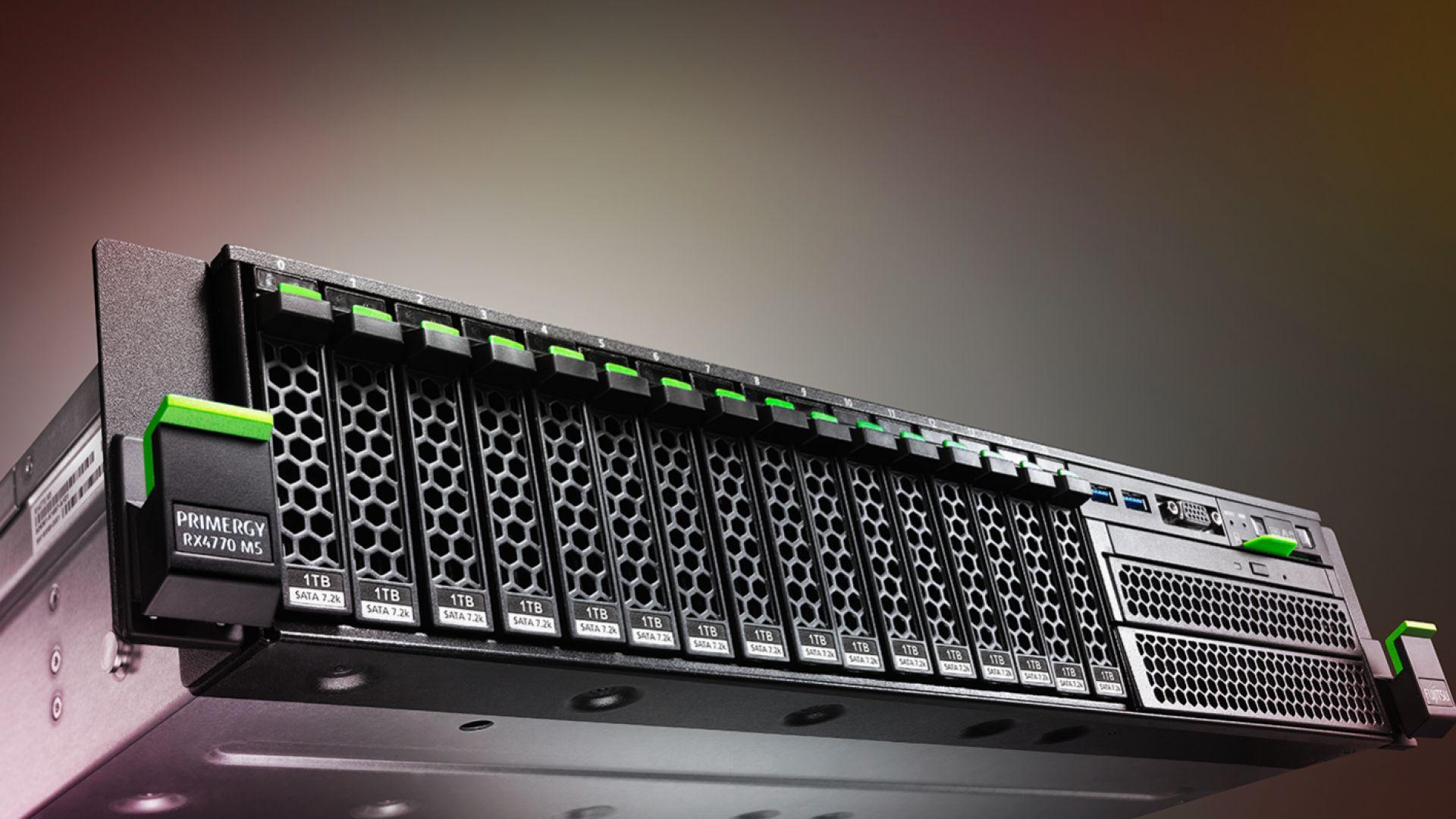 Новите сървъри на FUJITSU поставиха рекорд