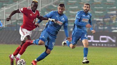 Пропусната дузпа и червен картон не спряха ЦСКА в дербито с Левски