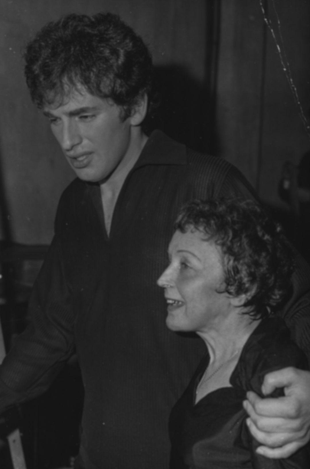Едит Пиаф и съпругът ѝ Тео Сапаро през 1962 г.