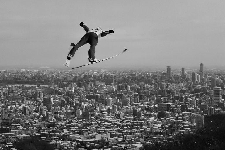 Ски-скоковете остават източник на някои от най-красивите кадри в спорта