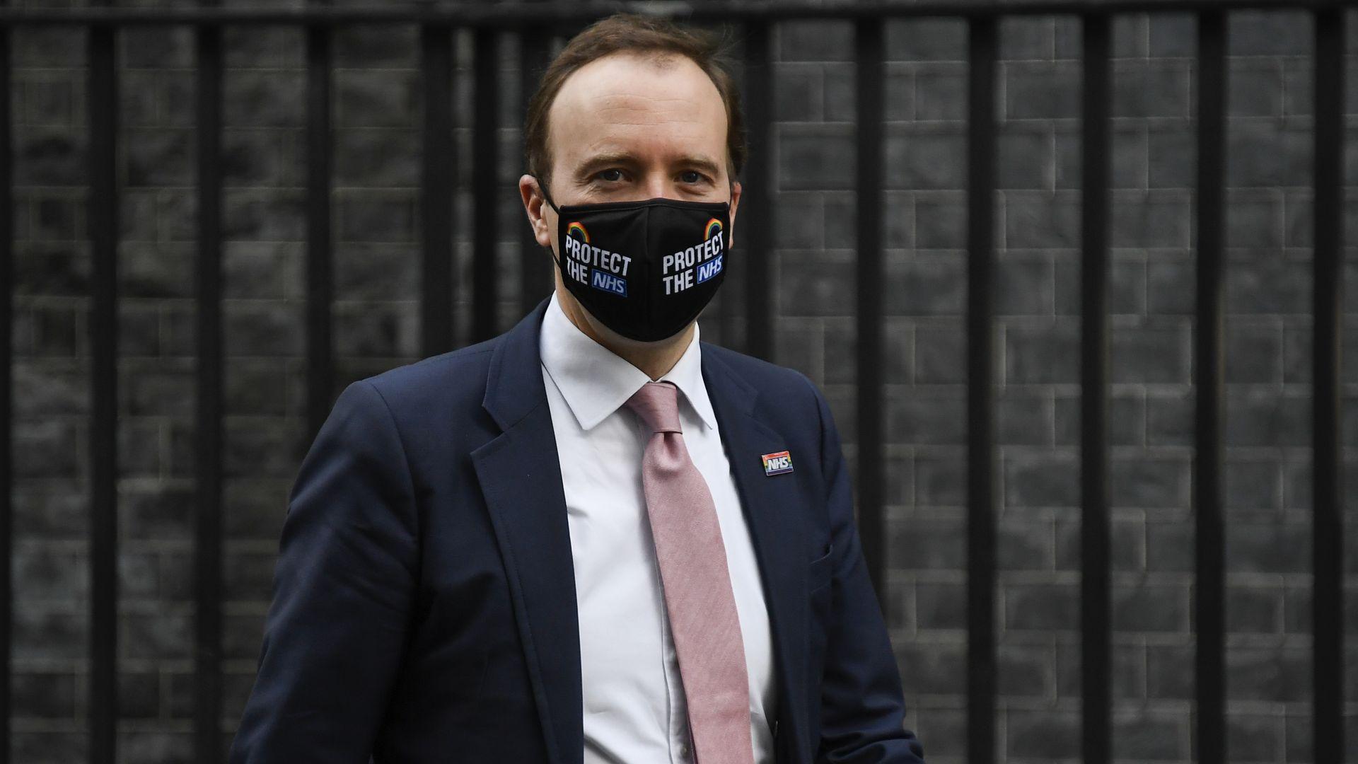 Британският здравен министър предупреди: Новият щам на COVID-19 е извън контрол