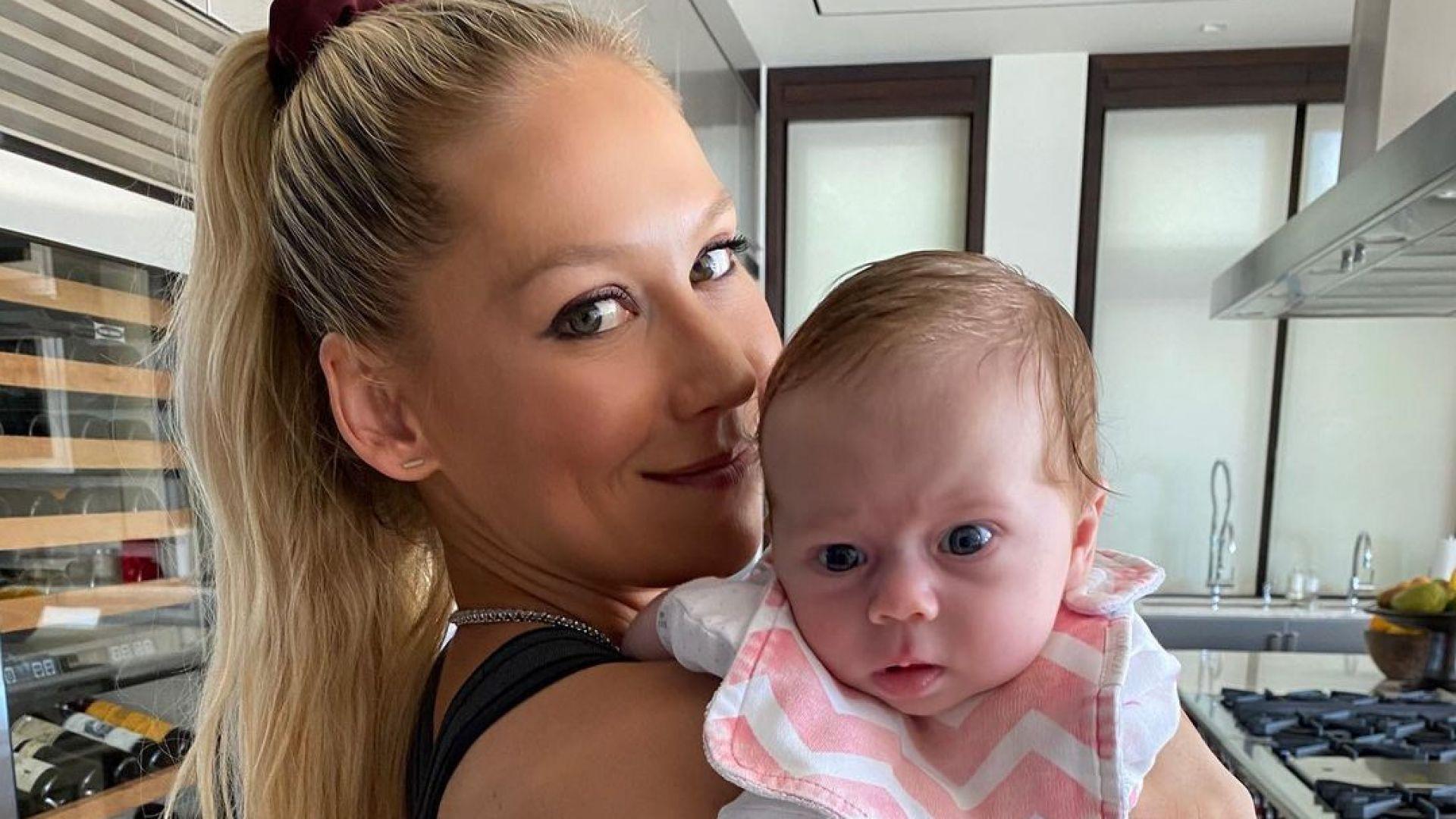 Дъщеричката на Енрике Иглесиас и Ана Курникова навърши годинка