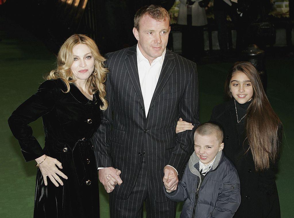 Мадона и Гай Ричи със сина си Роко и дъщерята на Мадона Лурдес