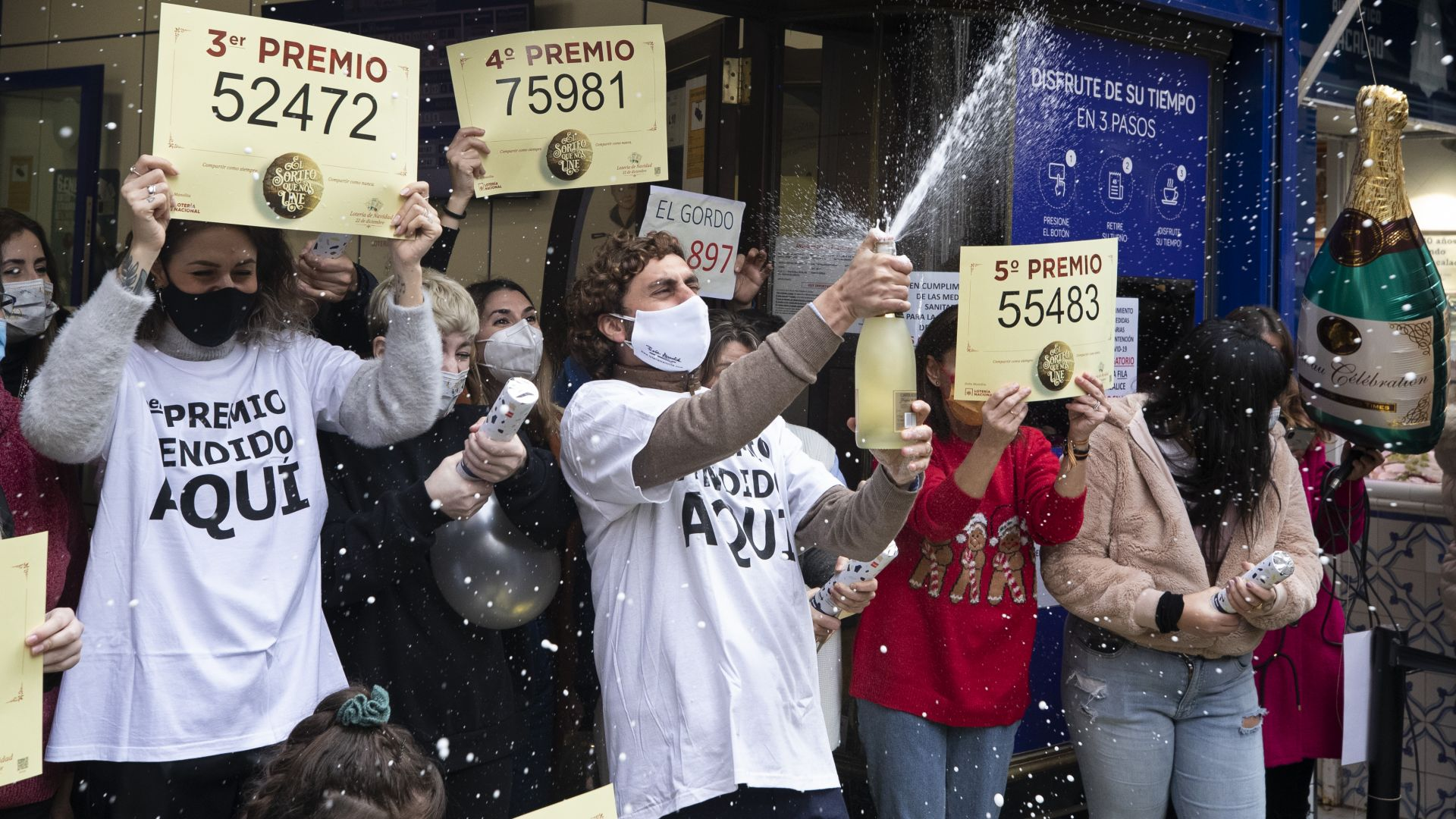 """Двувековната коледна лотария """"Ел Гордо"""" раздаде 2,4 милиарда евро"""