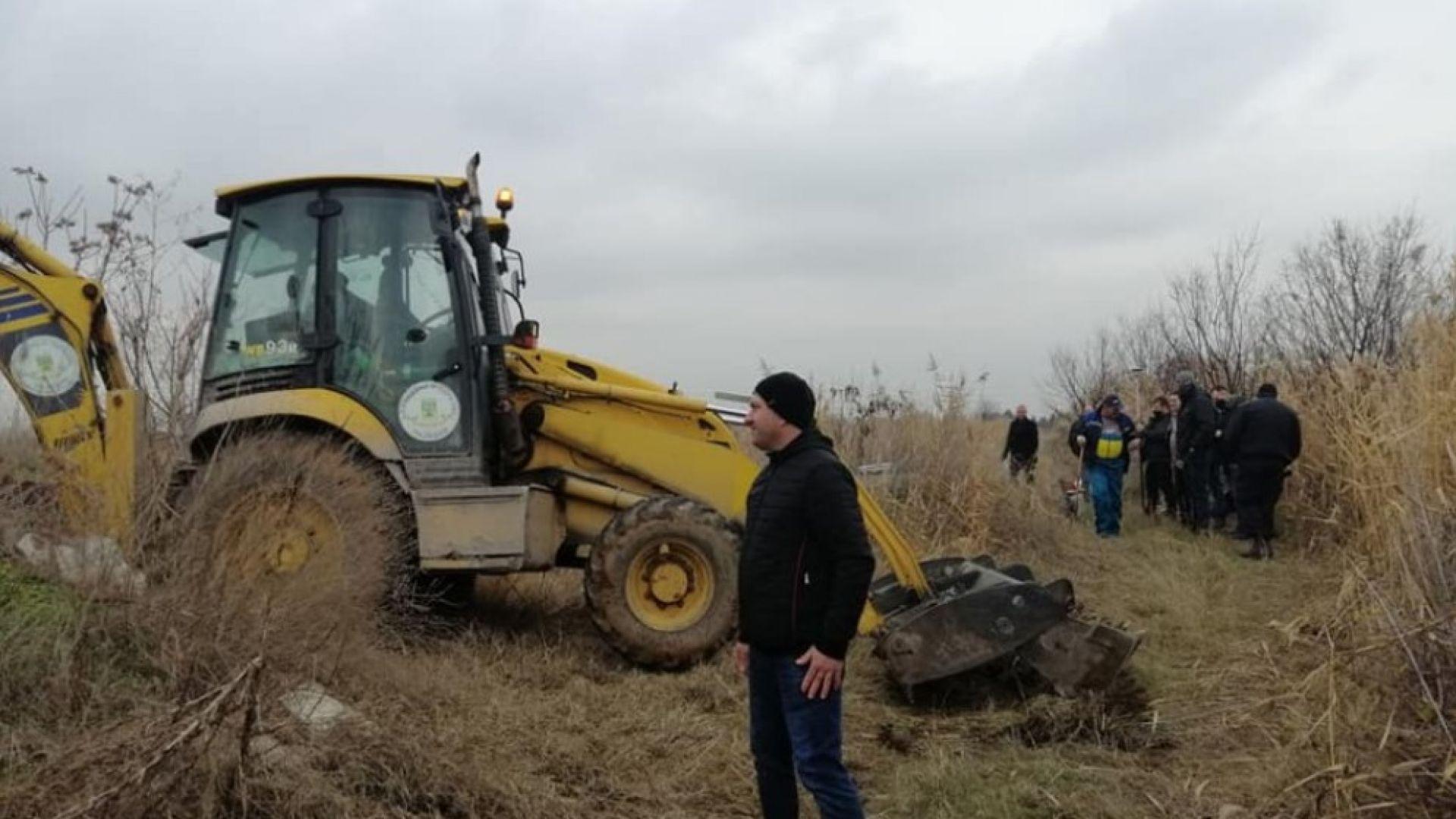 Откриха 200 тона опасна шлака край Пловдив, търсят връзка с Бобокови