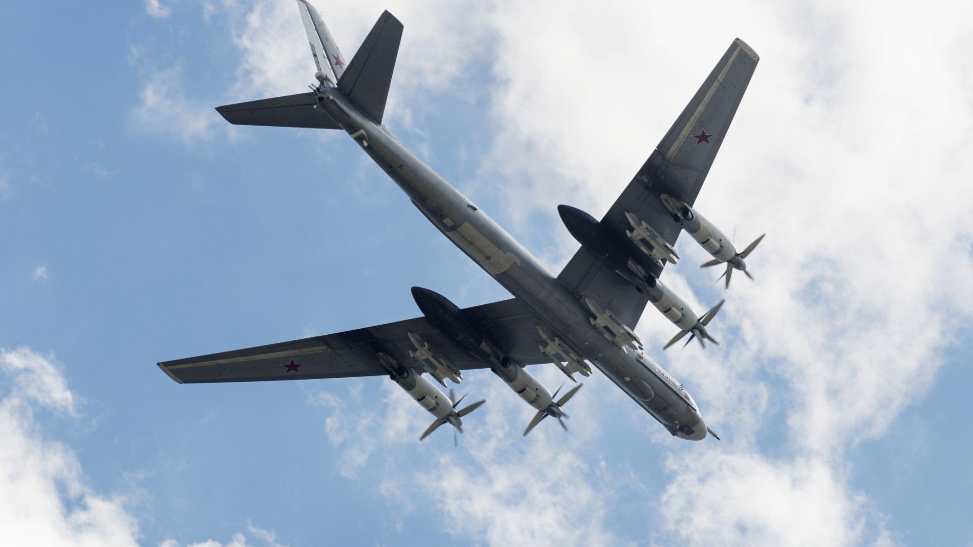 Учени от Оксфорд превръщат въглеродния диоксид в гориво за самолети