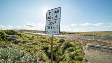 Защо 30% от света шофира от лявата страна на пътя?