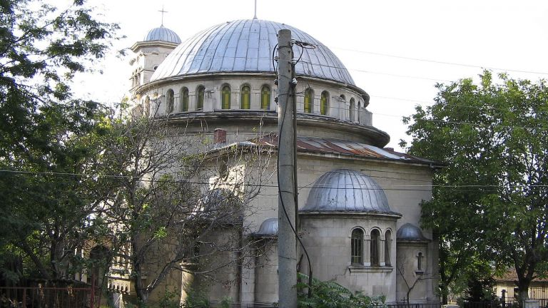 Започна дългоочакваният ремонт на църквата