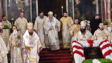 Християнският свят отбелязва Рождество Христово - Коледа