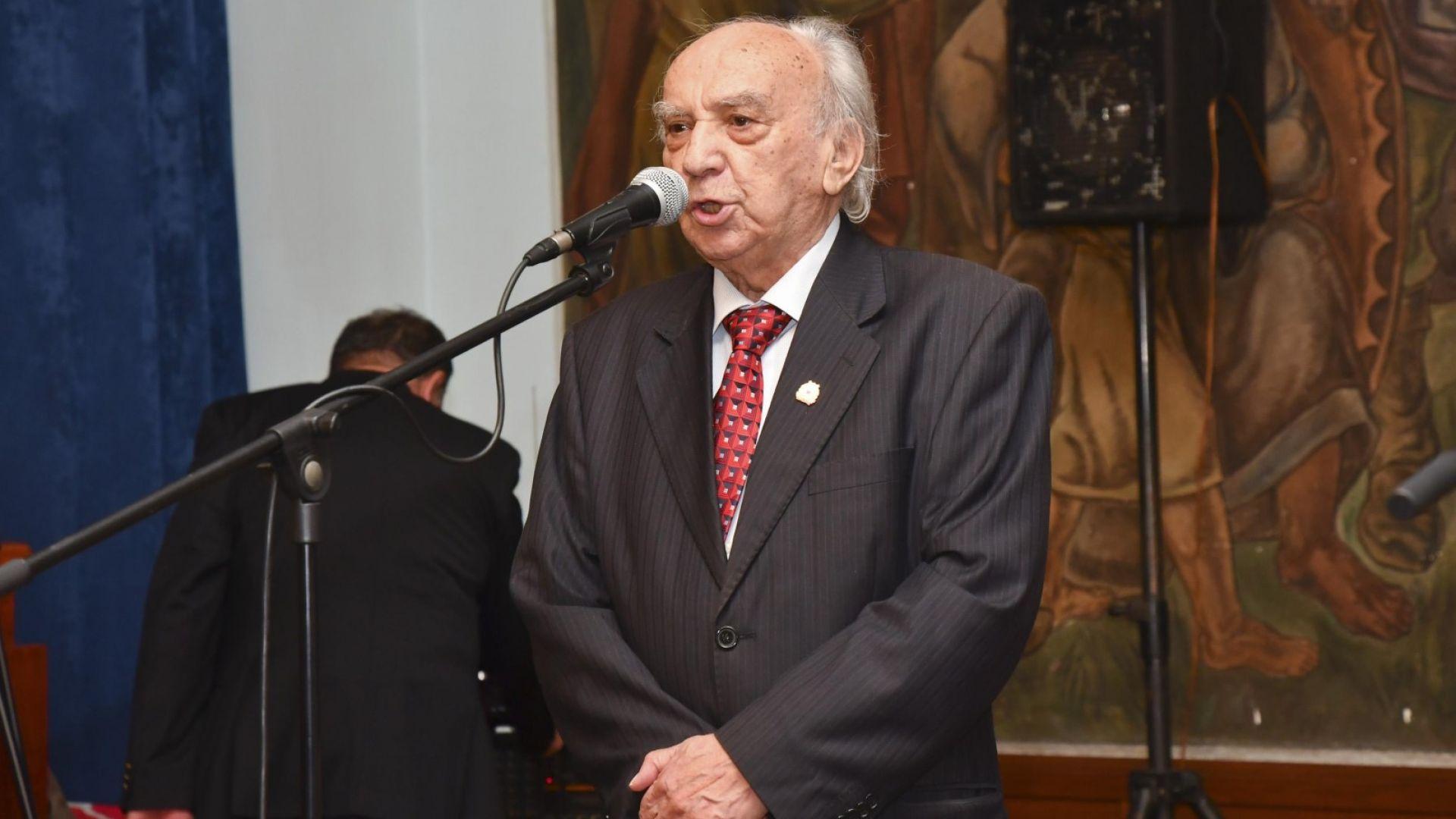 На 92 години си отиде журналистът и пазител на историята на ЦСКА Сашо Манов