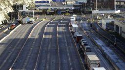 Отбой: Великобритания смекчава правилата за шофьорите на камиони от ЕС