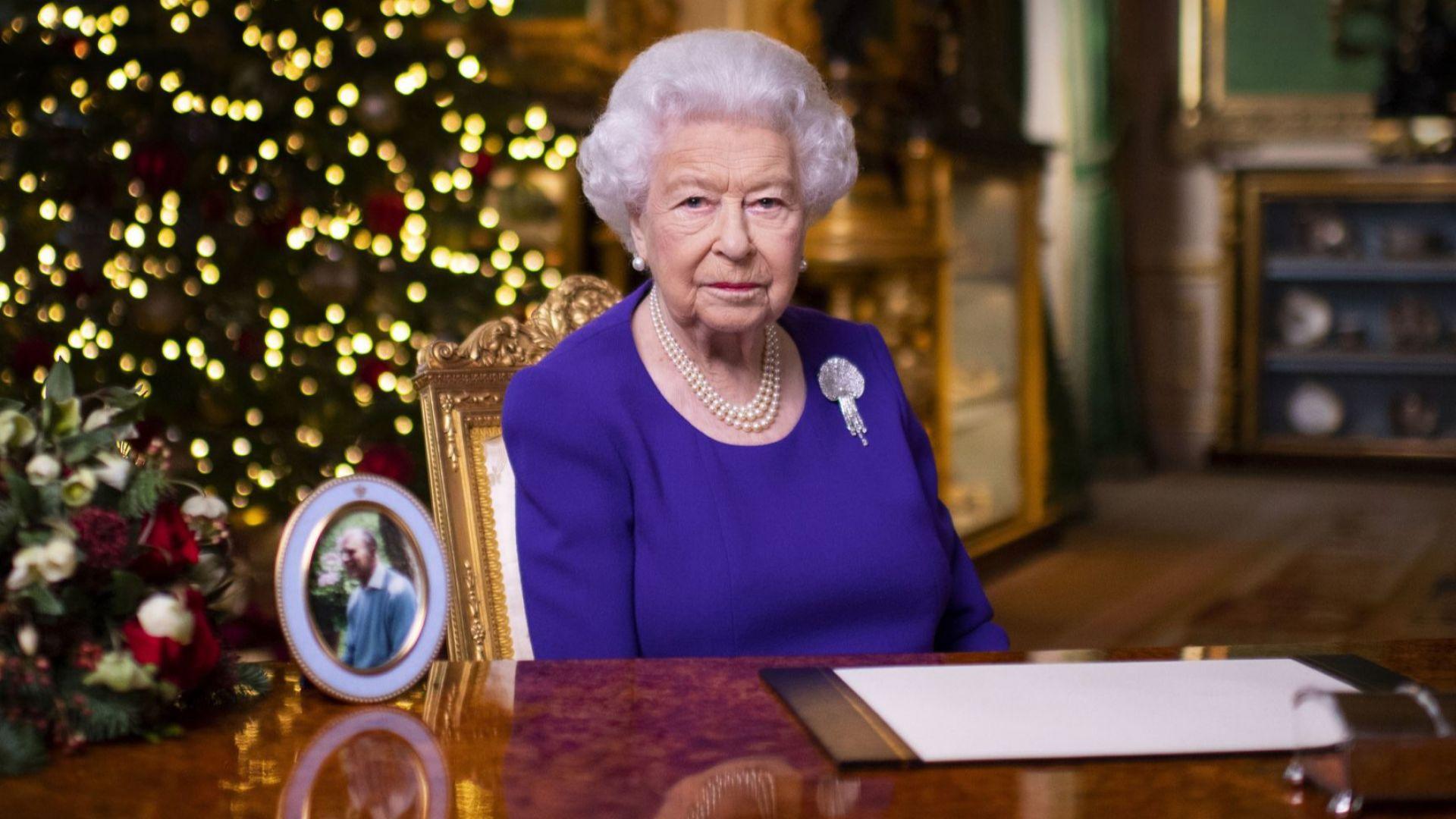 Елизабет II благодари на медиците в коледното си послание