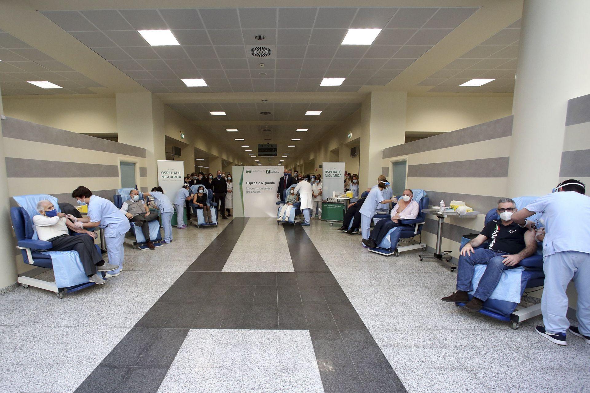 Първи ваксинации в Италия
