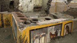 Археолози откриха древен снек бар в Помпей (снимки и видео)