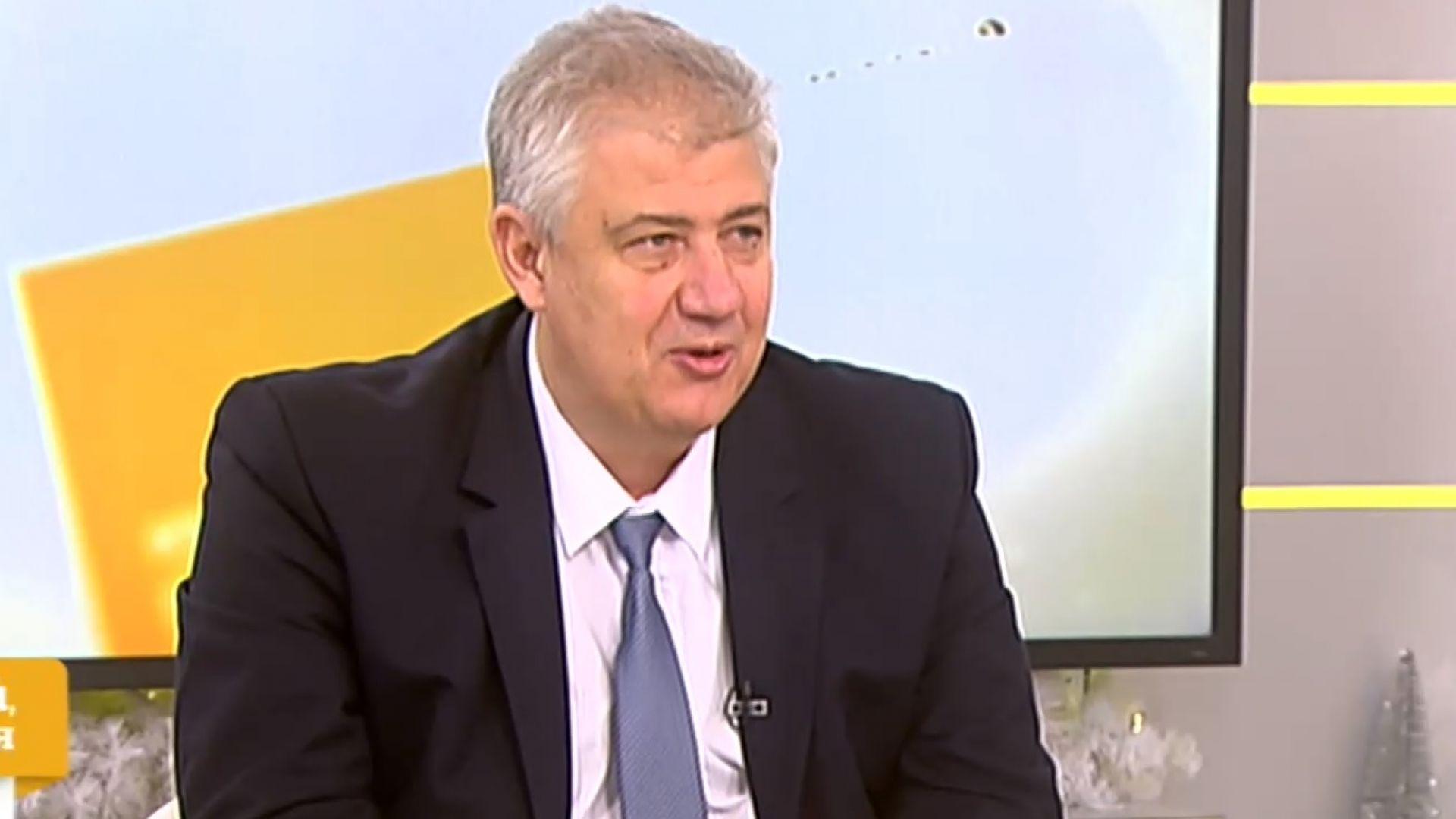 Проф. Асен Балтов: Ваксинираните у нас нямат ранни странични реакции