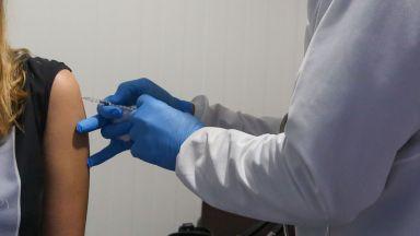 """Ваксината на """"Пфайзер"""" вероятно пази и от новия щам, открит във Великобритания"""