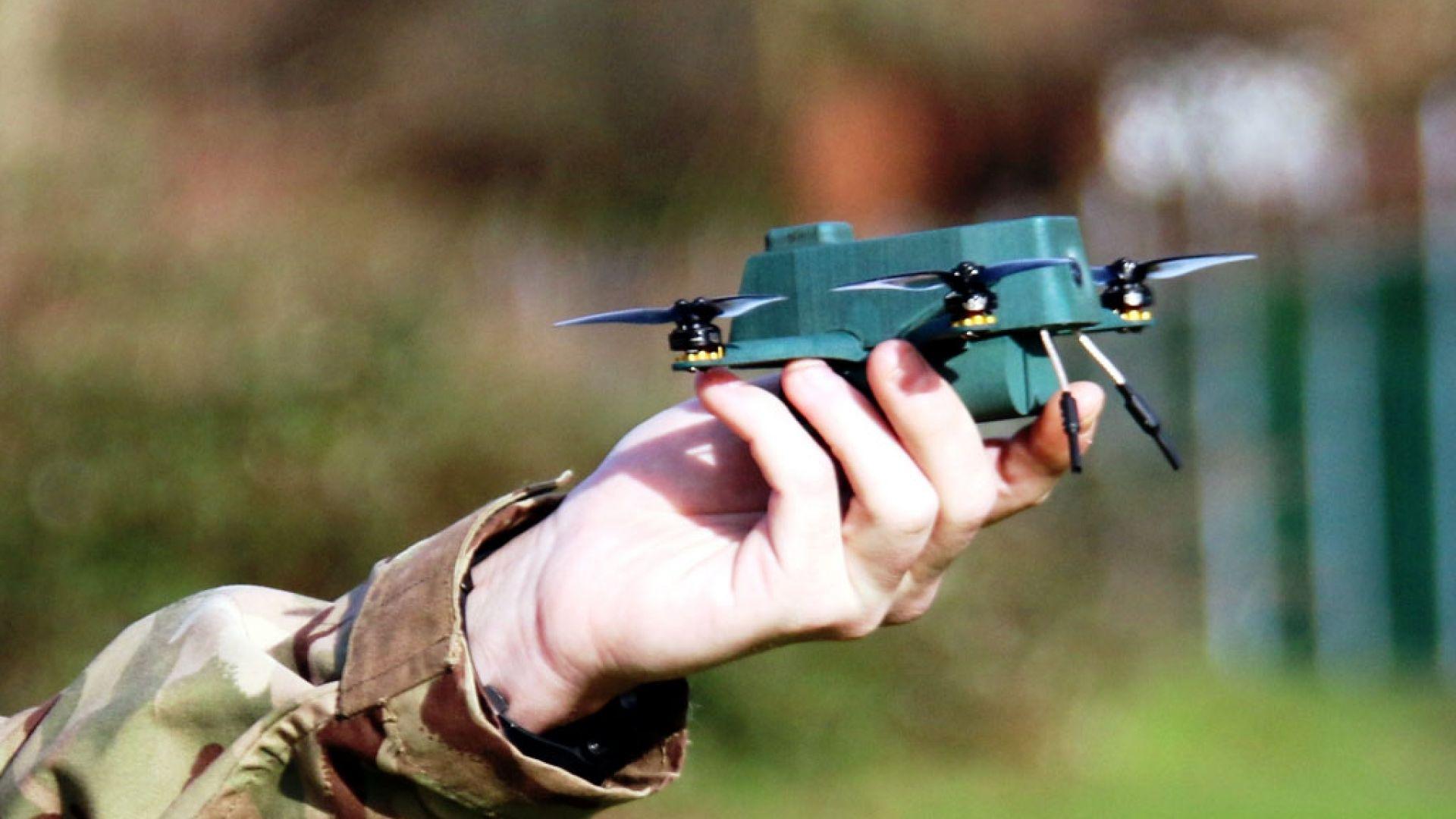 Британската армия се въоръжава с мини дрон