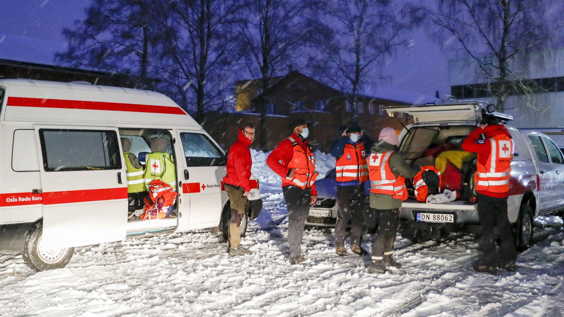 Свлачище повлече къщи в град край Осло, десетки души се издирват (снимки и видео)