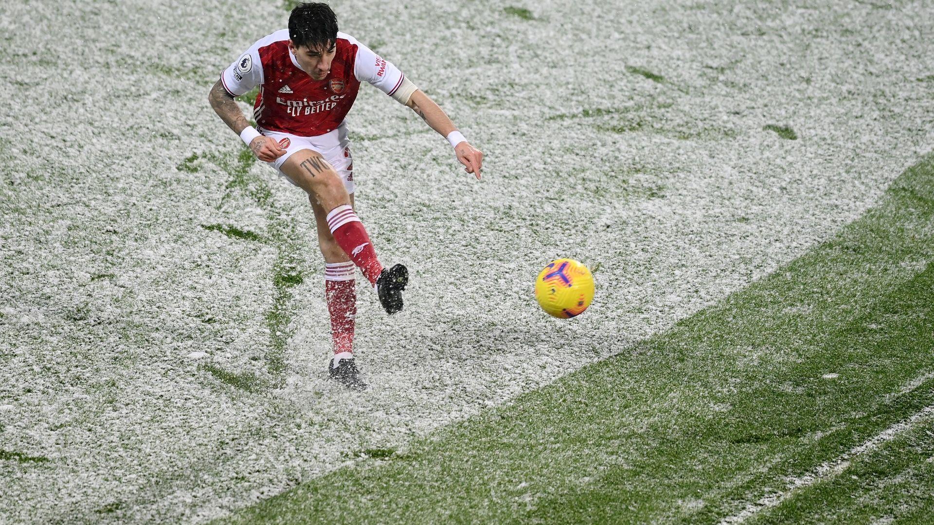 И снегът не спря празничния възход на Арсенал