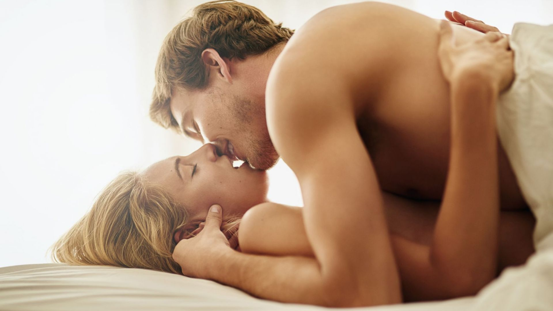 Сутрешният секс влияе положително на мъжкото дълголетие