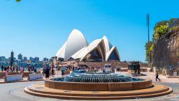 Операта в Сидни подновява представленията