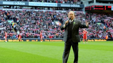 """Почина изпълнителят, популяризирал емблематичната песен за Liverpool """"You Will Never Walk Alone"""""""