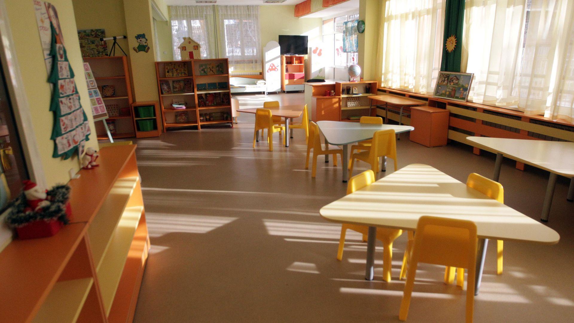 """Грешки при """"уседналост"""" отлагат класирането в детските заведения в София"""