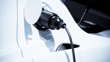Революционно изобретение зарежда електромобил за 10 минути