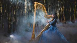 Магичната арфа на Лора Паносян