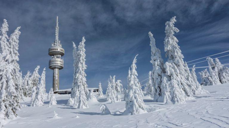 10 забележителности около Пампорово през зимата - от водопади до екопътеки