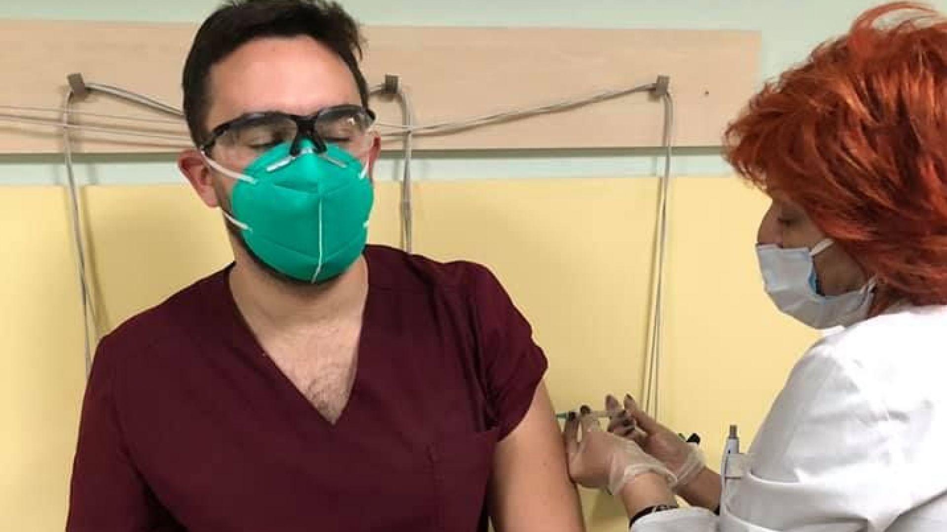 Доц. Кунчев: Първият член на фамилията ми се ваксинира, малко му завиждам