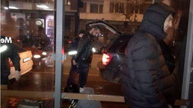 Трима задържани при спецакция във Велико Търново, продавали оръжие (видео)